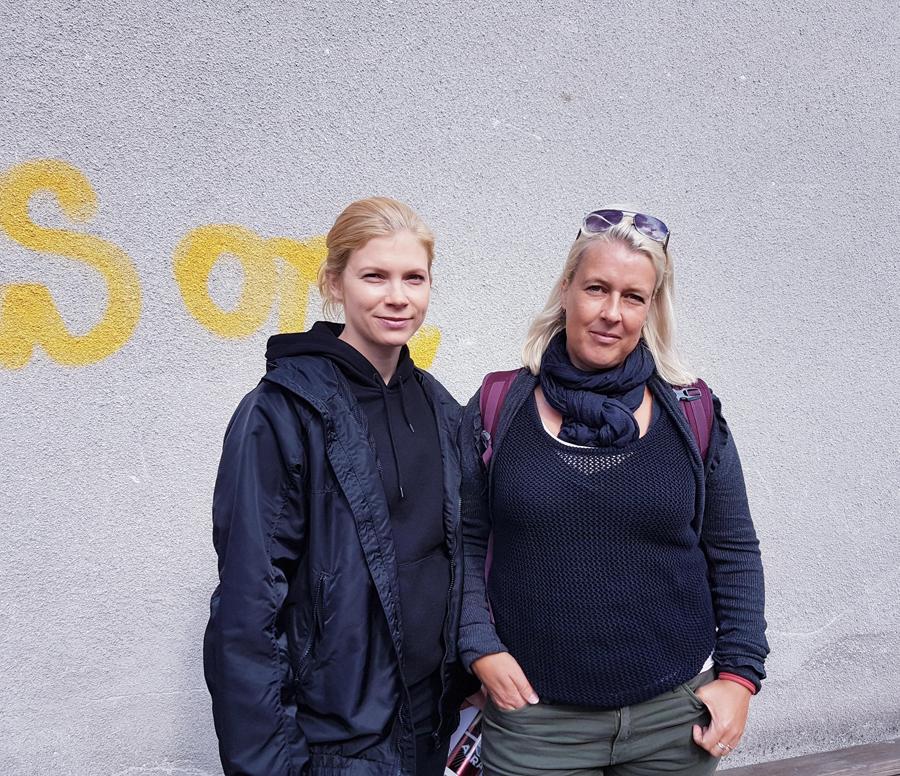 Saara Kotkaniemi ja Miira Karhula Aallonmurtajan kuvauksissa, kuva Hanna Nieminen