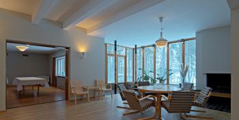 Kantola aula kuva Rurik Wasastjerna.jpg