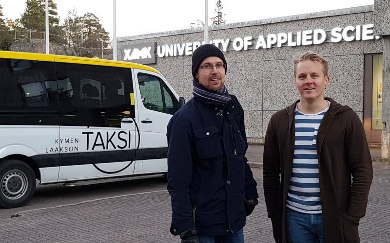 Yhteys junalle taksilla