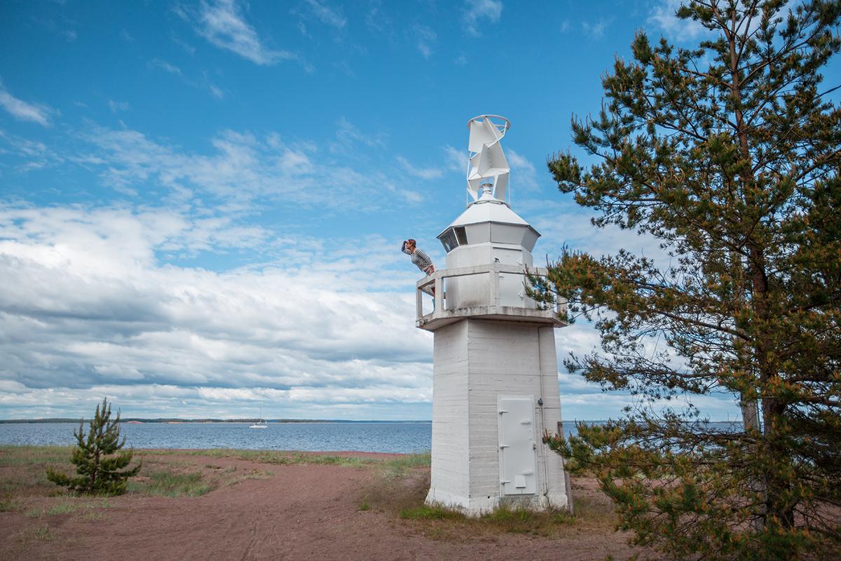 Nainen majakassa Kuva: Julia Kivelä