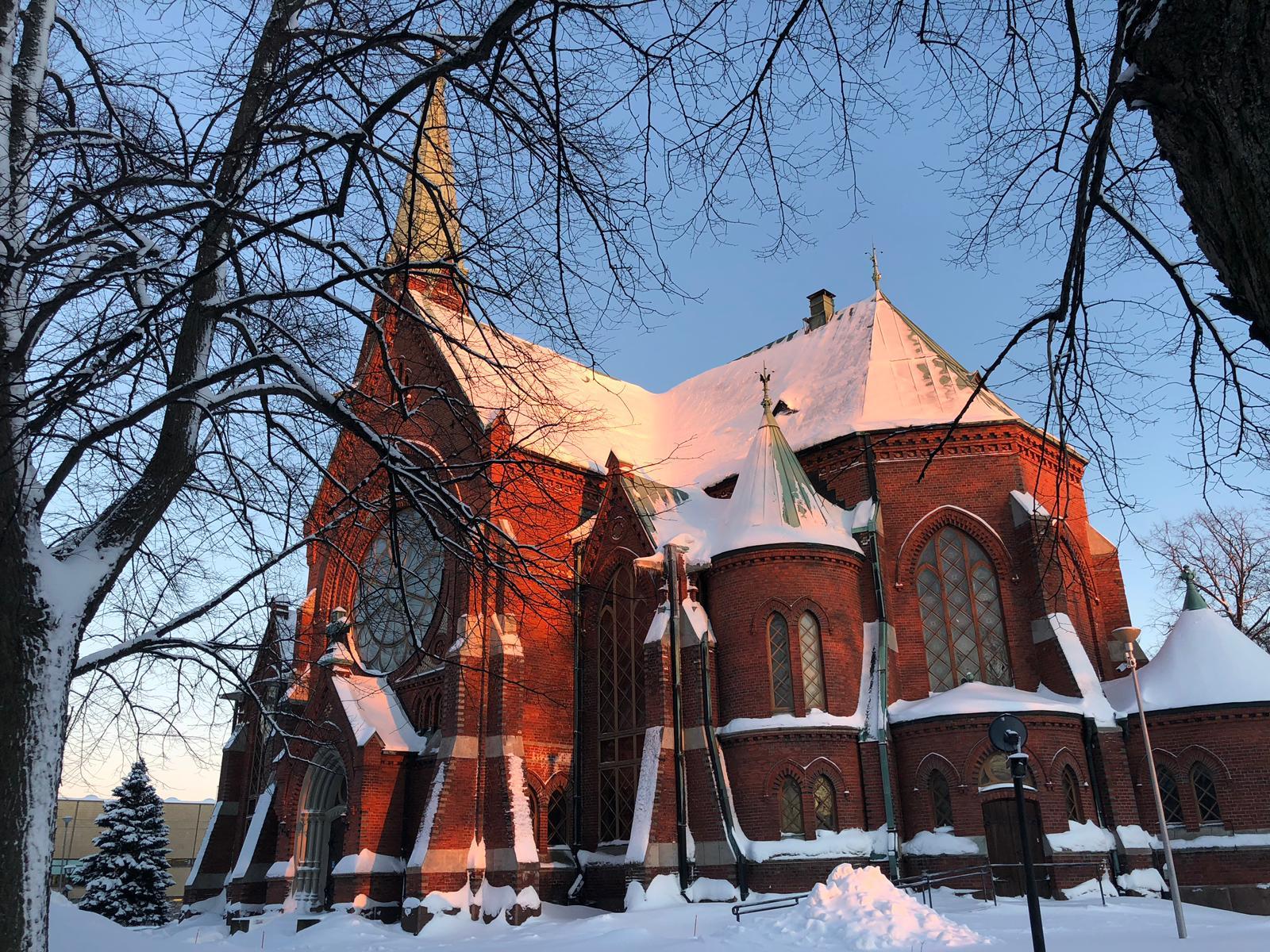 Kotkan kirkko talvella