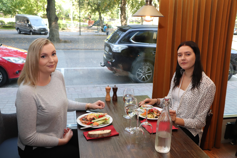 Krista Salmi ja Viola Aho
