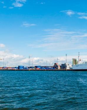 Laivoja satamassa kuva Jukka Koskinen