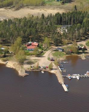 Ukkosaaren vierasvenelaituri, Virolahti